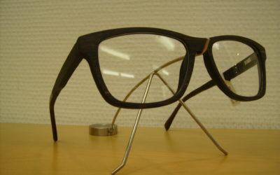 Reinigung und Pflege von Holzbrillen